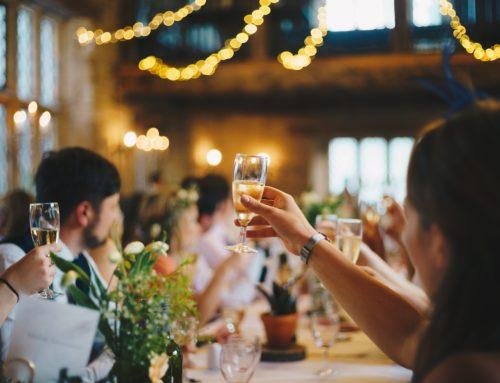 A céges karácsonyi partin sem árt csínján bánni a forralt borral – mire figyelj oda, nehogy rossz vége legyen?