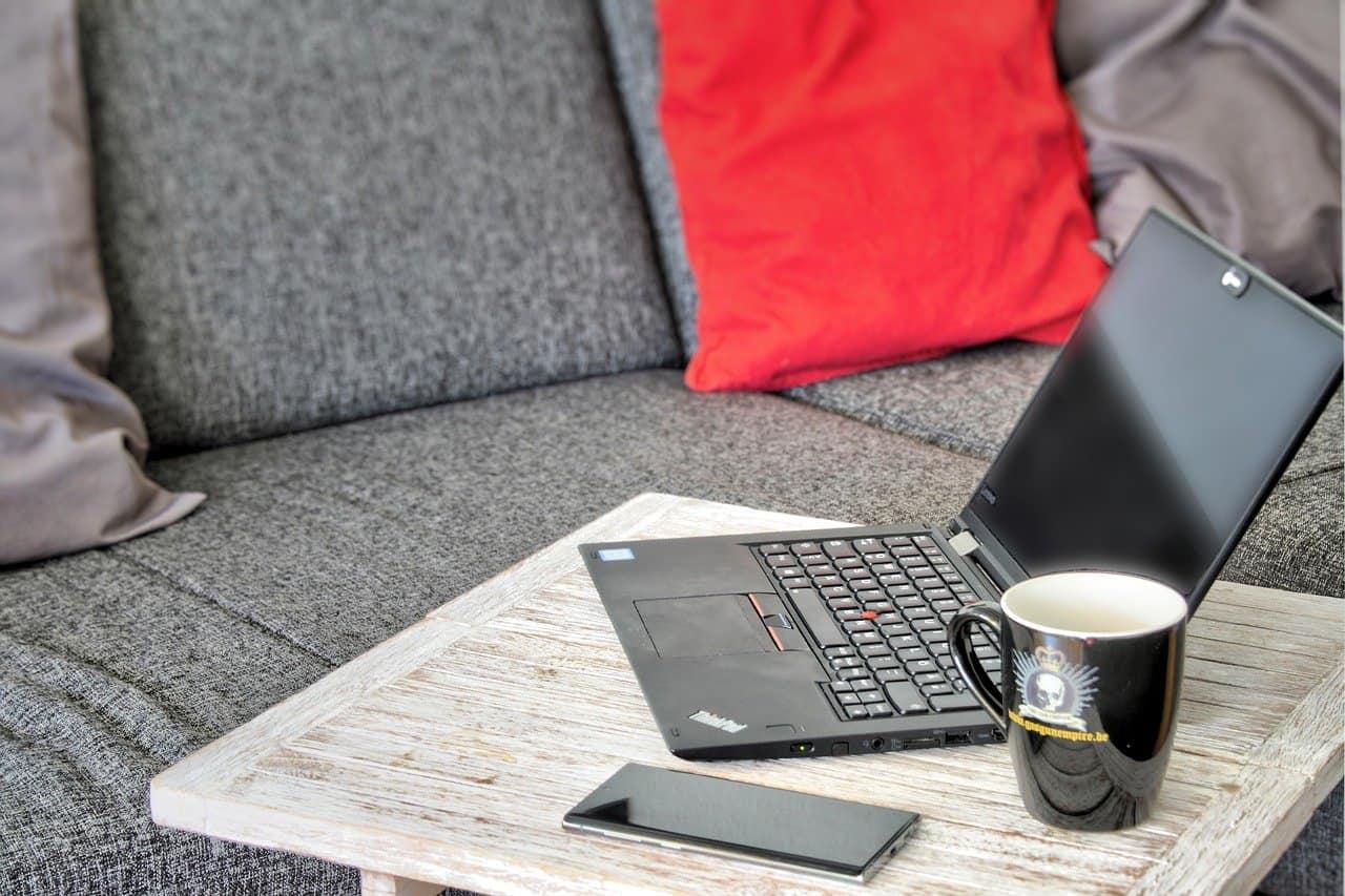Home office és távmunka: A kettő ugyanaz vagy különbözik? - Érthető Jog